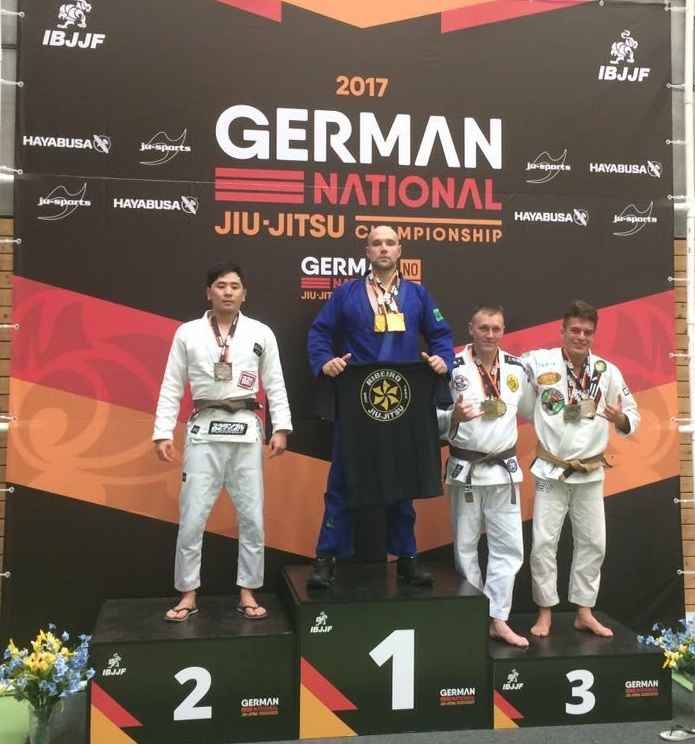 markus plieninger wird deutscher meister im bjj kong 39 s gym kampfsport schule stuttgart bjj mma. Black Bedroom Furniture Sets. Home Design Ideas